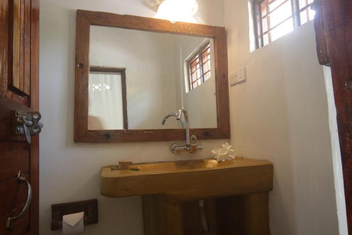 Room 8 Bathroom Sink Mirror