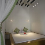 room-8_bed